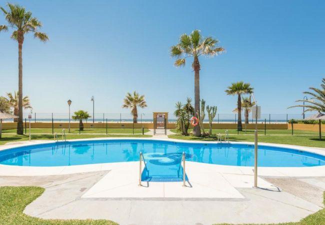 Ferienwohnung in Tarifa - 377 - Apartamento con piscina frente al mar