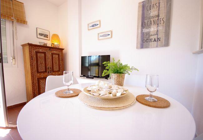 Apartment in Tarifa - 377 - Apartamento con piscina frente al mar